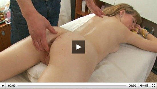 rubateen-hot-teen-gets-her-pussy-fingered-during-massage